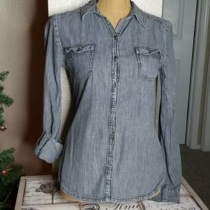 Lei Nice Charcoal Button Down Collared Top